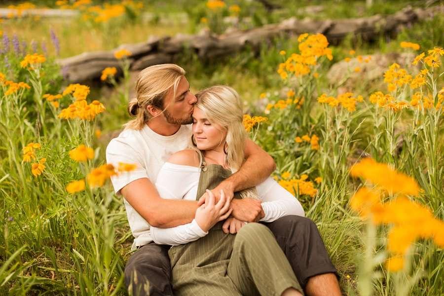 Flagstaff Arizona Portrait Wildflower Photography -Miranda and Quinton 1