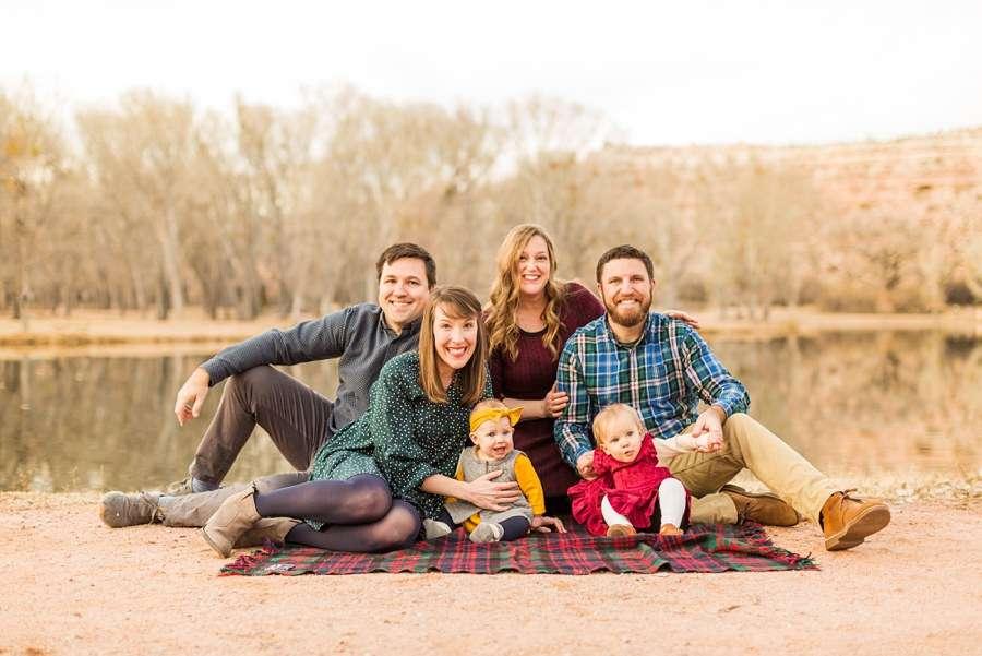 Puffer Family: Cottonwood AZ Family Photographer Family on Blanket