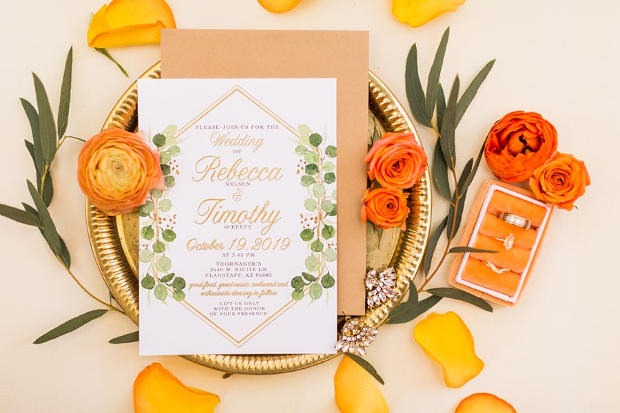 How to Style Wedding Invitations