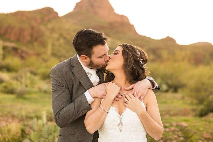 Jessie and Aaron: Arizona Desert Elopement Photography heaven