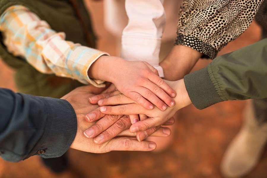 Hartman Family: Sedona Arizona Family Photography hands