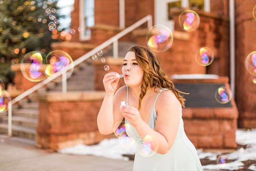 Shelby: Flagstaff NAU Senior Portrait Photographers bubbles