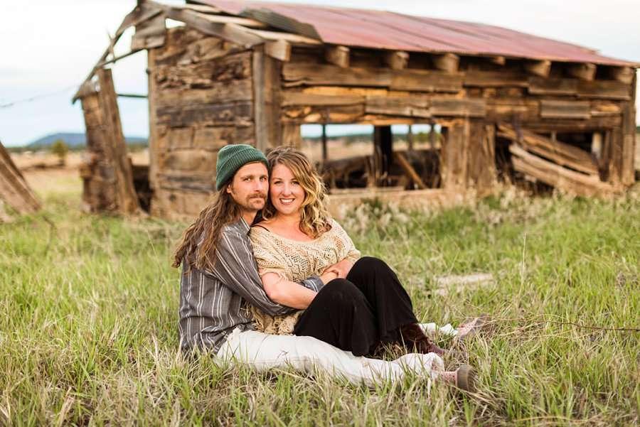 Taylar and Jacob: Flagstaff AZ Portrait Photographer snuggle