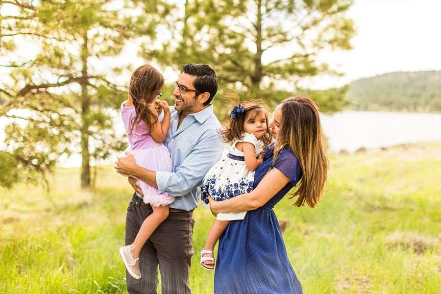 Kasem Family: Lake Mary Flagstaff Photographer snuggles