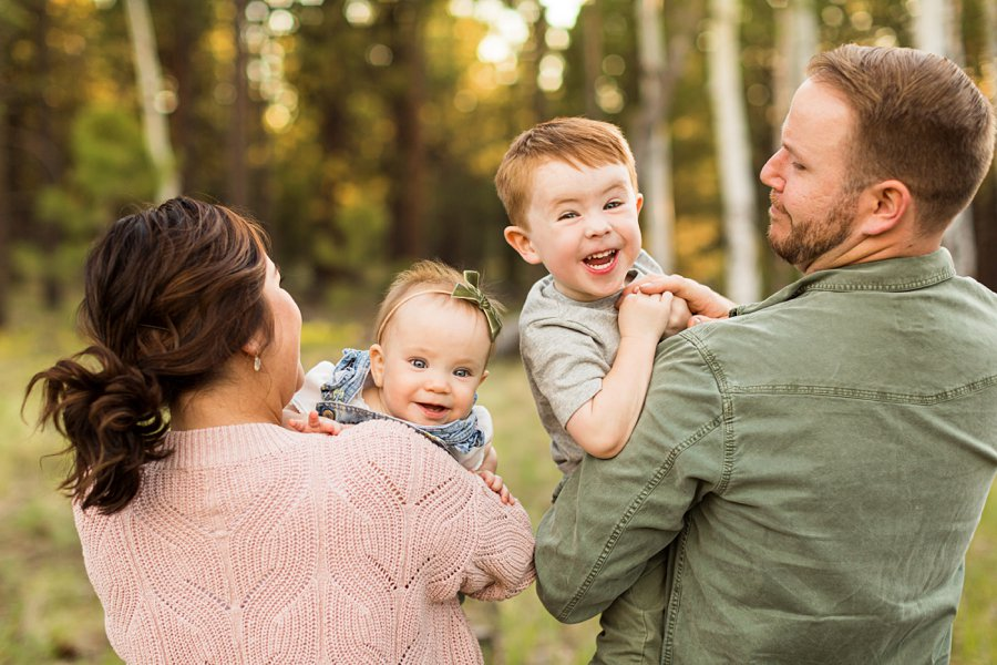 Borbon Family: Northern Arizona Family Photography parents snuggle