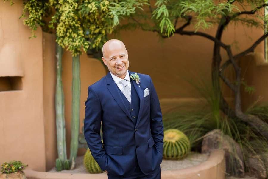 Liz and Jeremy: Phoenix Wedding Photography groom poses smiling