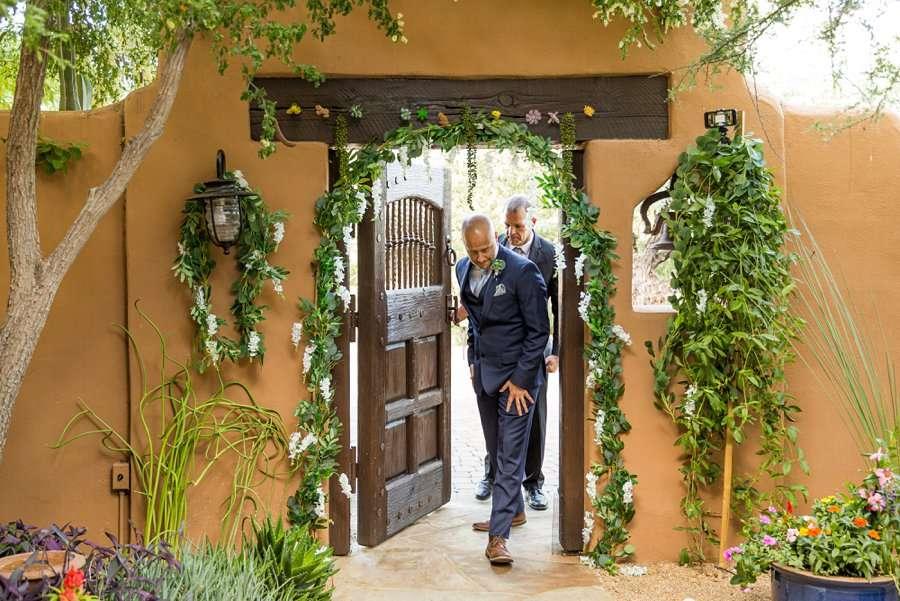 Liz and Jeremy: Phoenix Wedding Photography groom entry