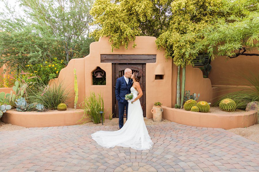 Liz and Jeremy: Phoenix Wedding Photography intimate ceremony in phoenix