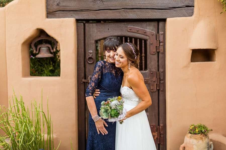 Liz and Jeremy: Phoenix Wedding Photography hugs for mom