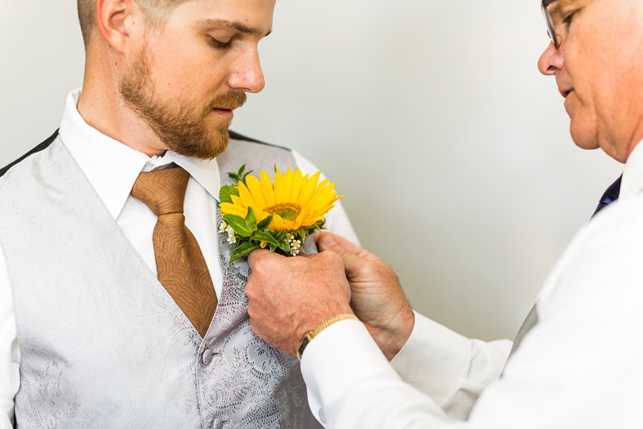Trish and Mike: Flagstaff Ranch Weatherford Wedding sunflowers