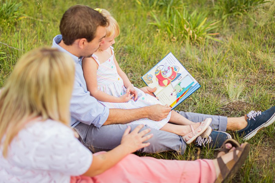 The Flood Family: Arizona Sunflower Family Session read to your children importance