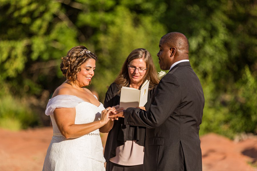 Magda and Charles: Weddings in Sedona exchanging the rings