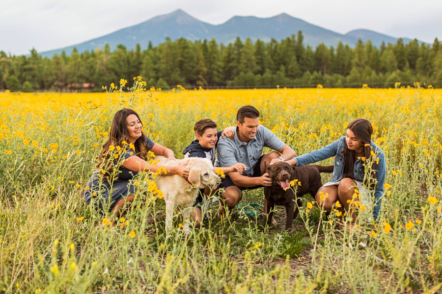 Northern Arizona Mini Session: Vesely Family's Mini Session poses with dogs