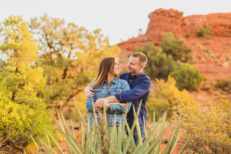 Katie and Matt: Arizona Portrait Photographers love and snuggles