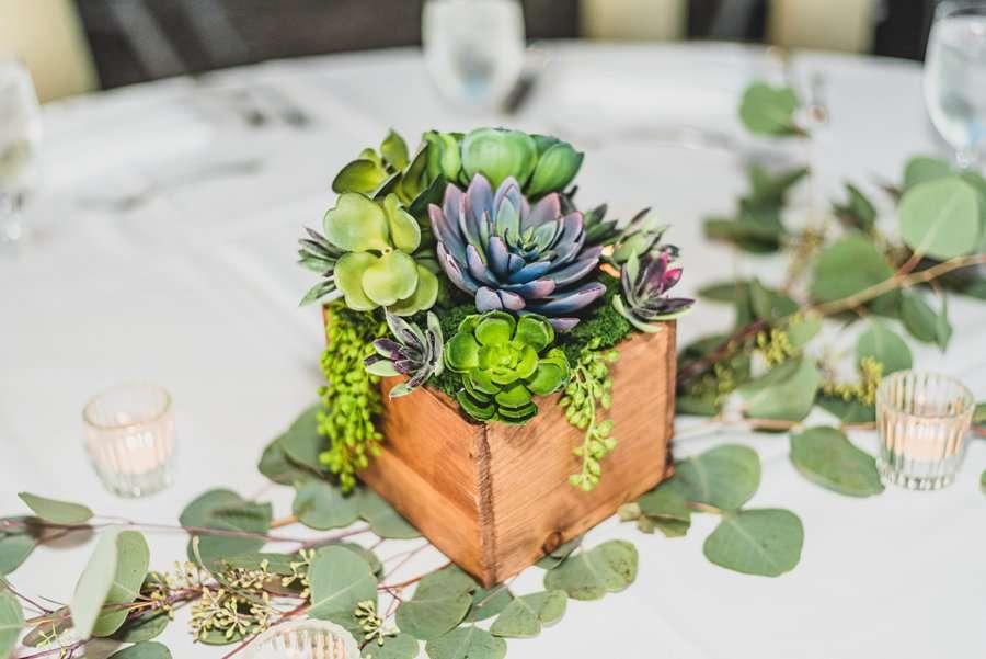 Leah and Trenten: Scottsdale Elopement Photographers reception decorations