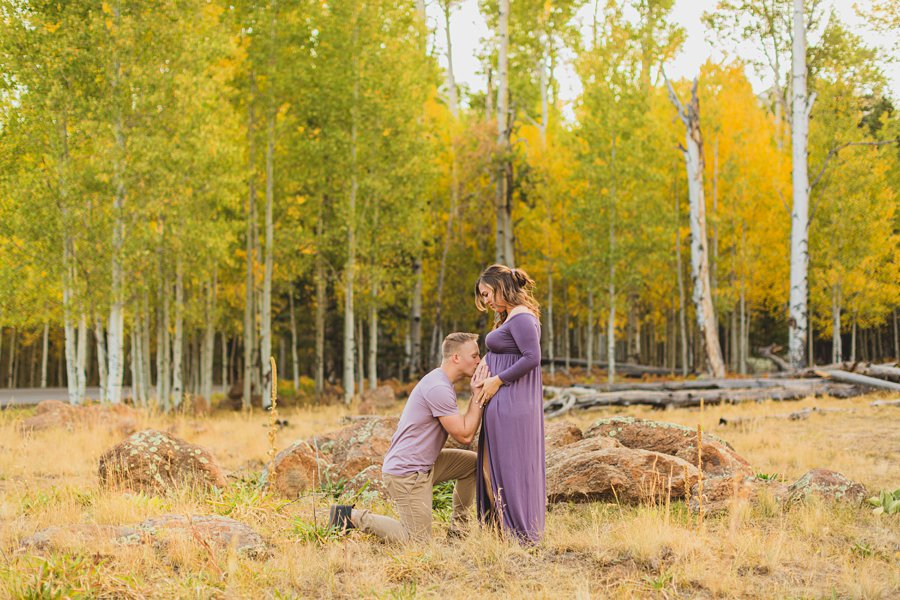 Ben and Alexandra: Arizona Autumn Portrait Sessions kissing the belly