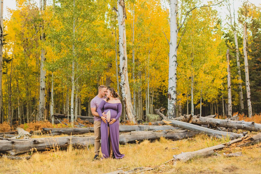 Ben and Alexandra: Arizona Autumn Portrait Sessions maternity poses