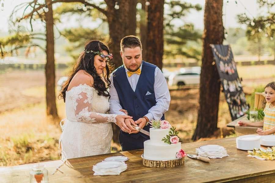 Lexi and Garrett: Northern Arizona Elopements cutting the cake