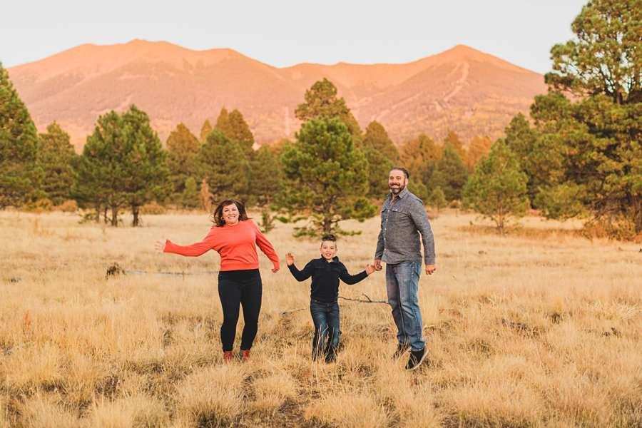 Hauser Family: Arizona Autumn Family Photography fun poses