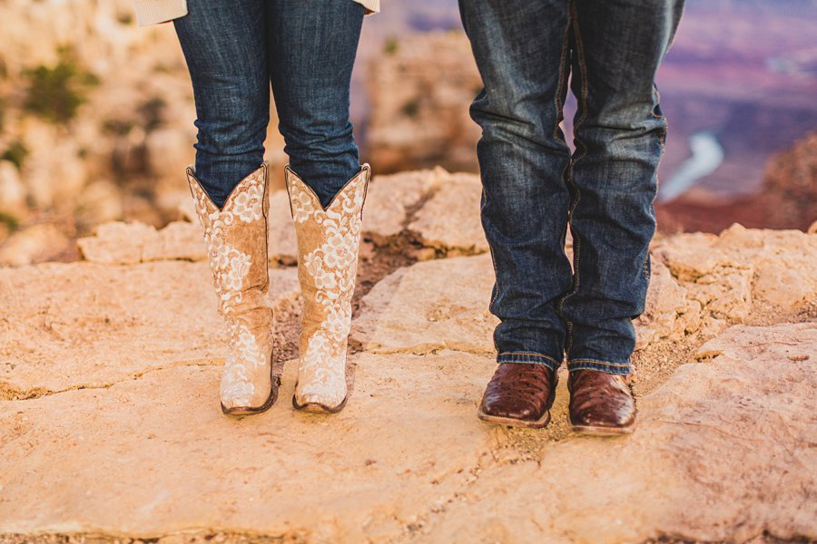 Yesenia and Justin: Grand Canyon Engagement Photographers the details