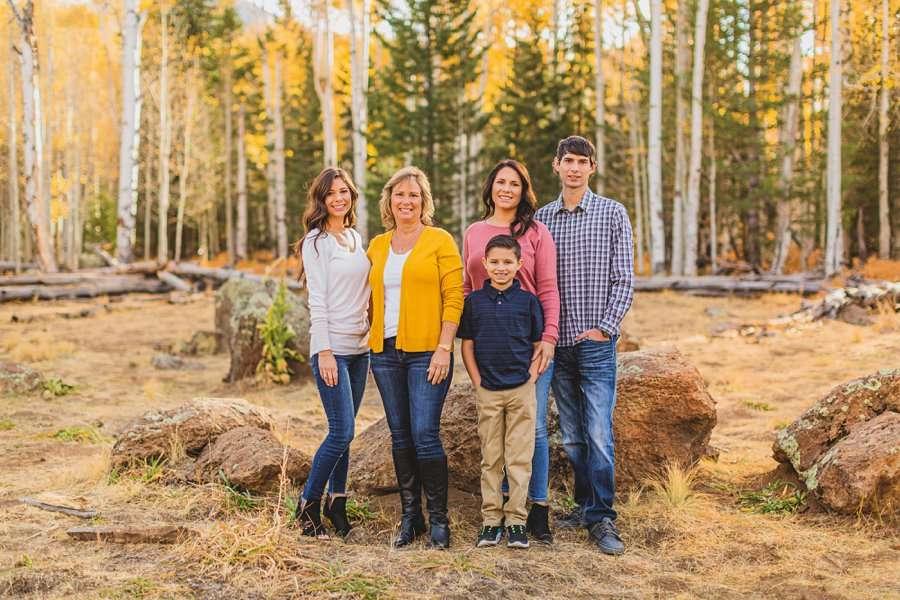 Barrett Family: Aspens Flagstaff Portrait Photographers best poses