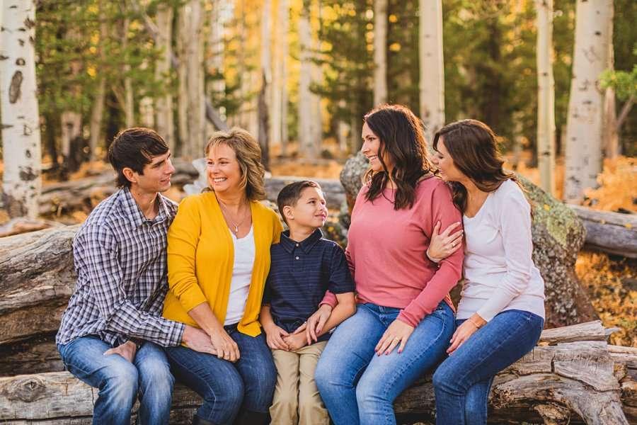 Barrett Family: Aspens Flagstaff Portrait Photographers snuggle cuddles happy