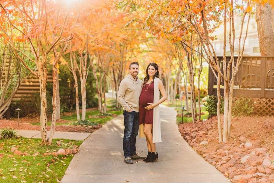 Ciara and Michael: L'Auberge Sedona Maternity Portraits vibrant autumn colors