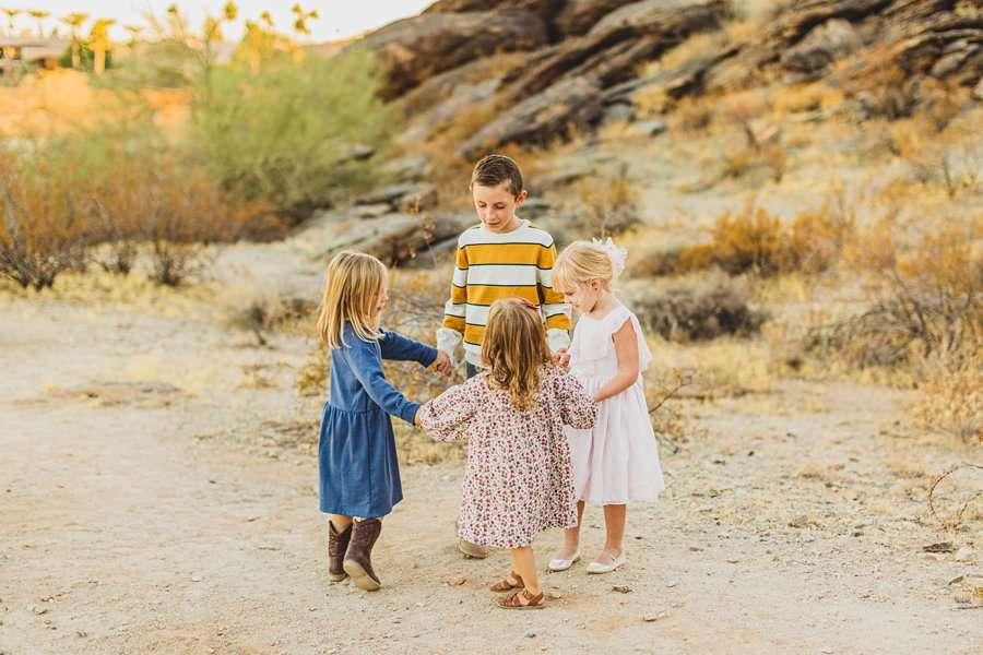 Martin Family: Phoenix Portrait Photography ring around the rosie