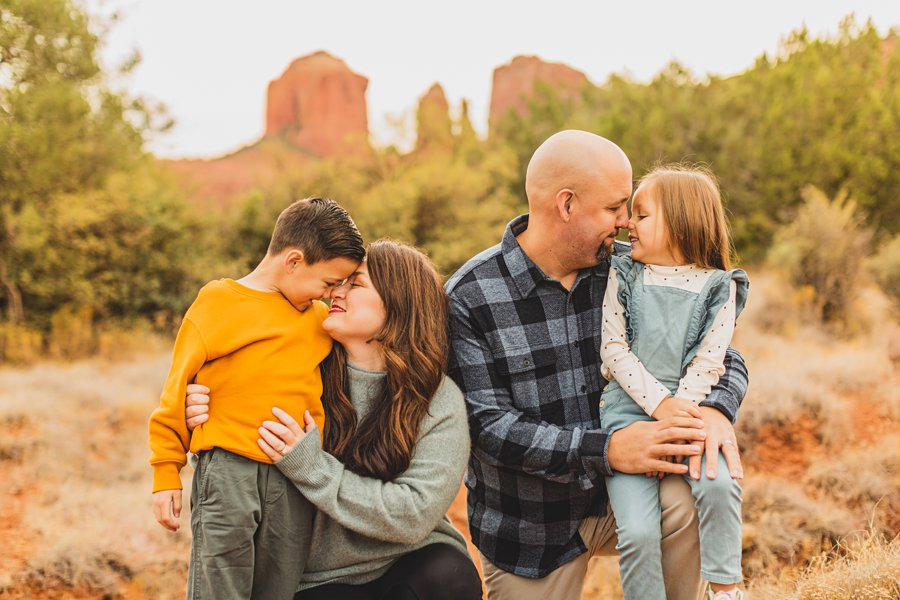 Serrano Family: Sedona Arizona Photography eskimo kisses