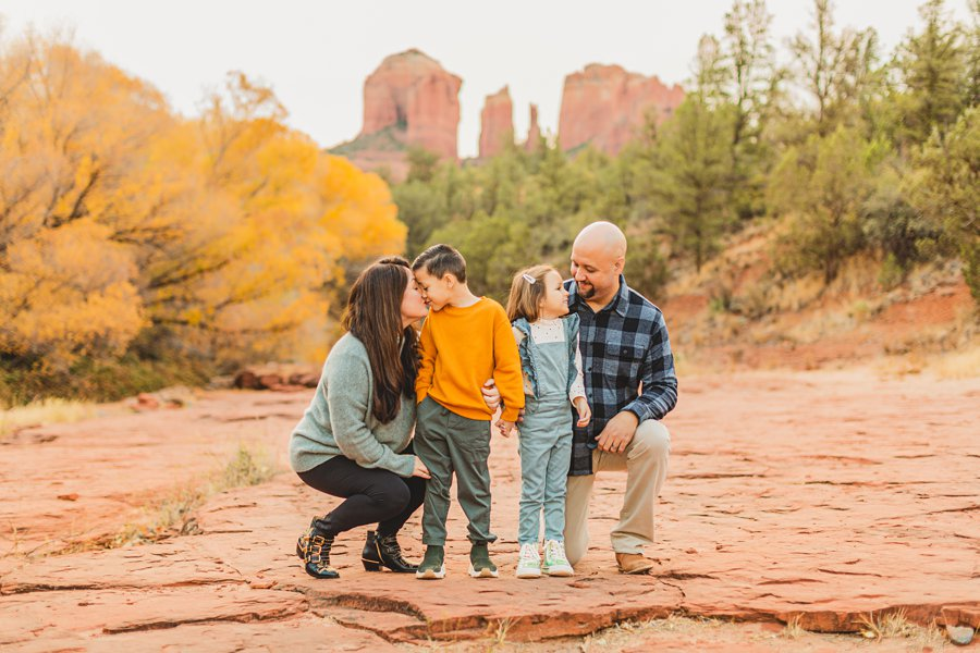 Serrano Family: Red Rock Crossing Portraits snuggles