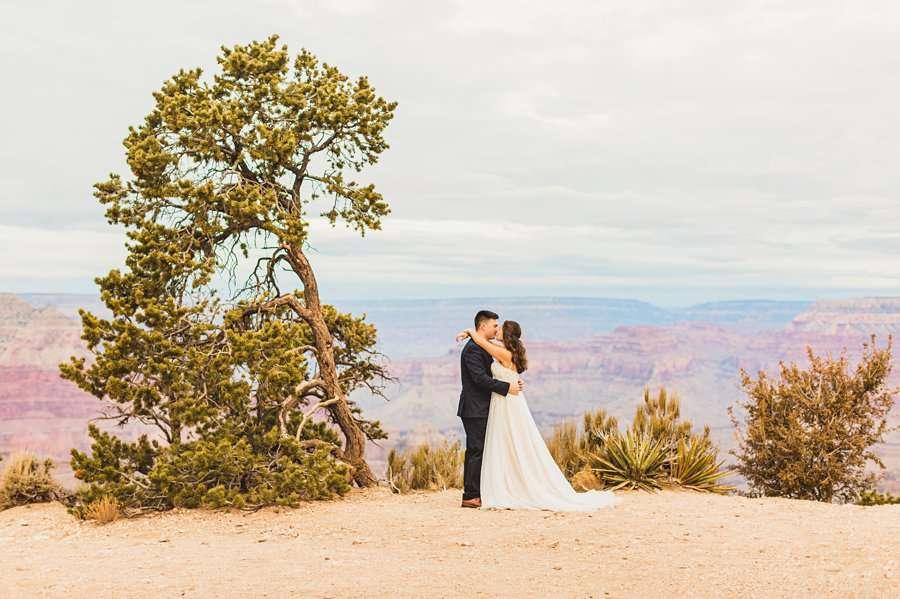 Ashlynn and Jacob: Elopement Photographers Grand Canyon on the edge