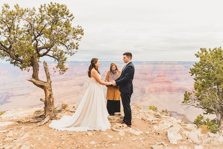 Ashlynn and Jacob: Elopement Photographers Grand Canyon best locations