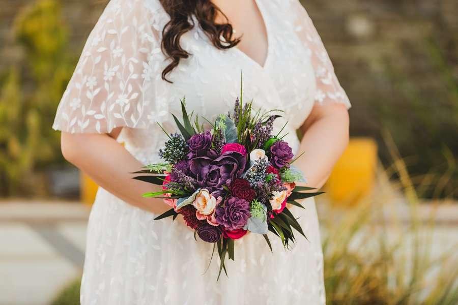 Shawna and Jason: Phoenix Arizona Wedding Photographers floral details