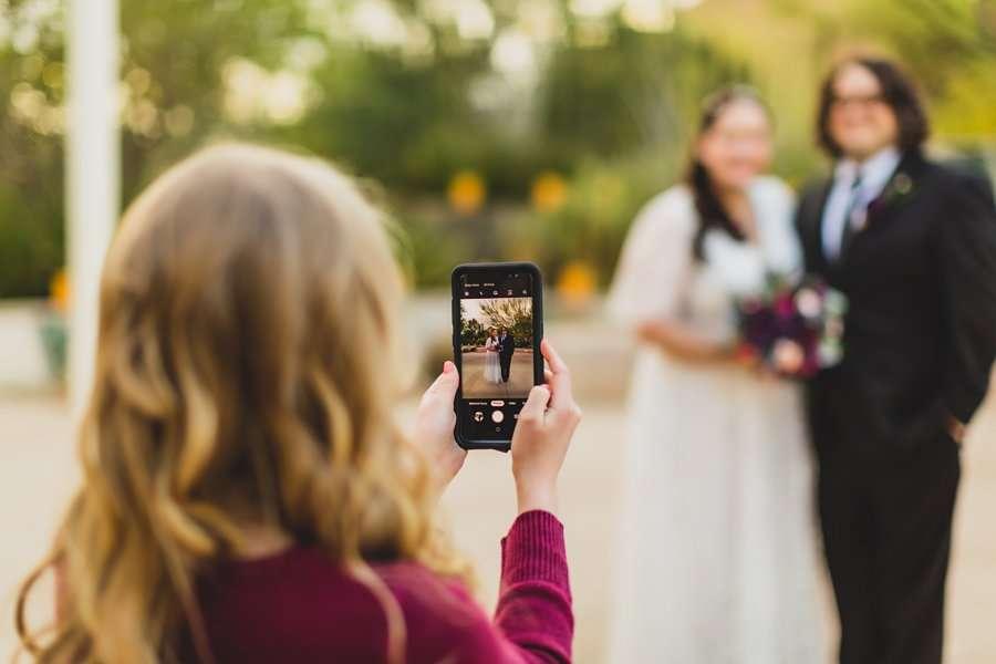 Shawna and Jason: Phoenix Arizona Wedding Photographers behind the scenes