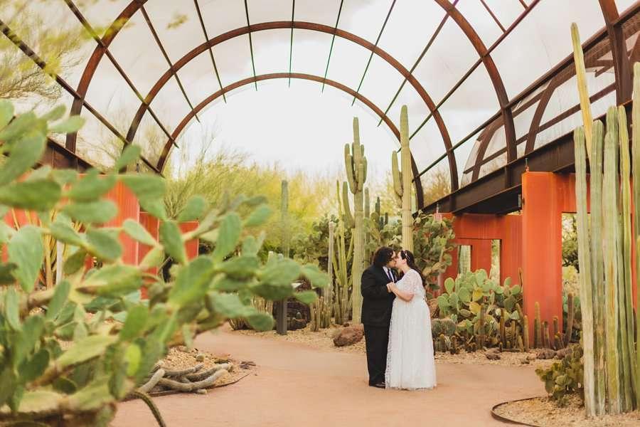 Shawna and Jason: Phoenix Arizona Wedding Photographers amazing locations